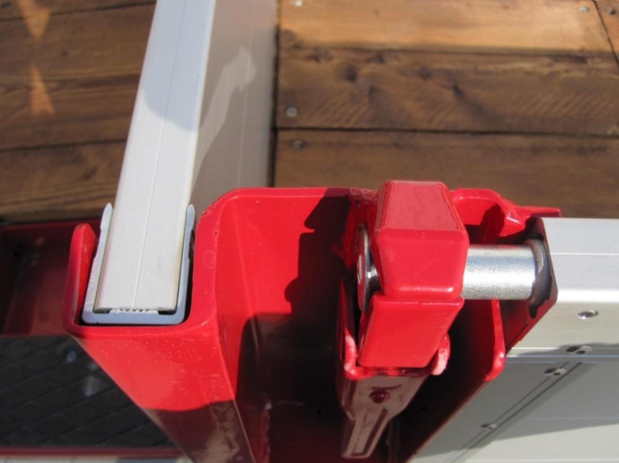 Details02_Seitenansicht_Tiefladeanhaenger_TTH-24-28_BauCraft.jpg