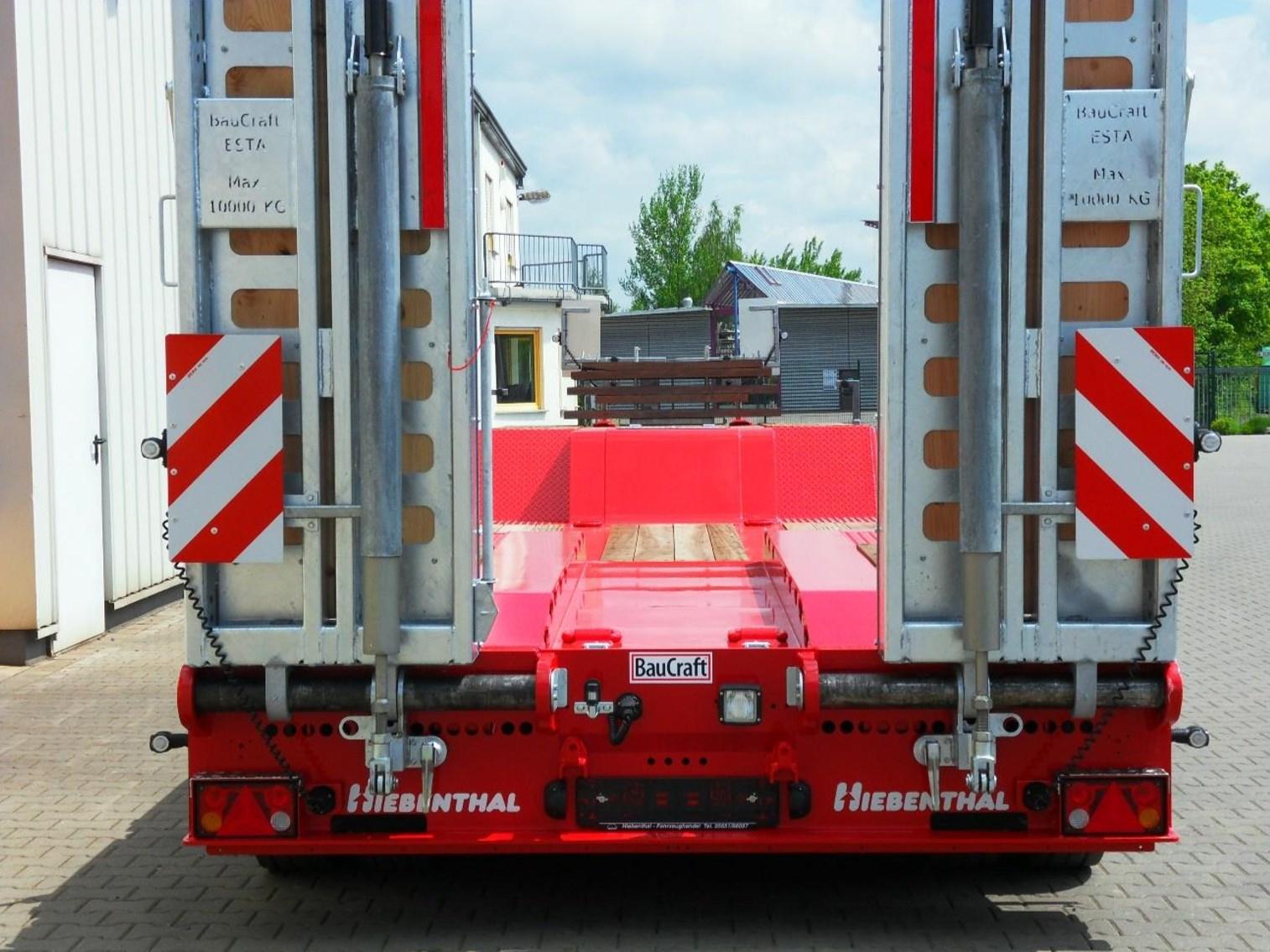 Seitenverstellbare-Rampen_4-Achs-Tiefbett-Tiefladeanhaenger_TTAH-40-Baucraft.jpg