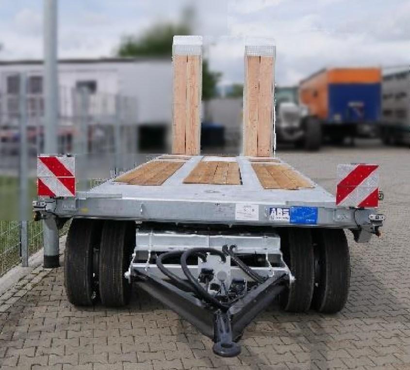 stufenlose-Deichselverstellung_Tiefladeanhaenger_TAP_30_BauCraft.jpg