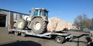 Traktor_Fendt_auf_TAH-30-Plus-BauCraft.jpg